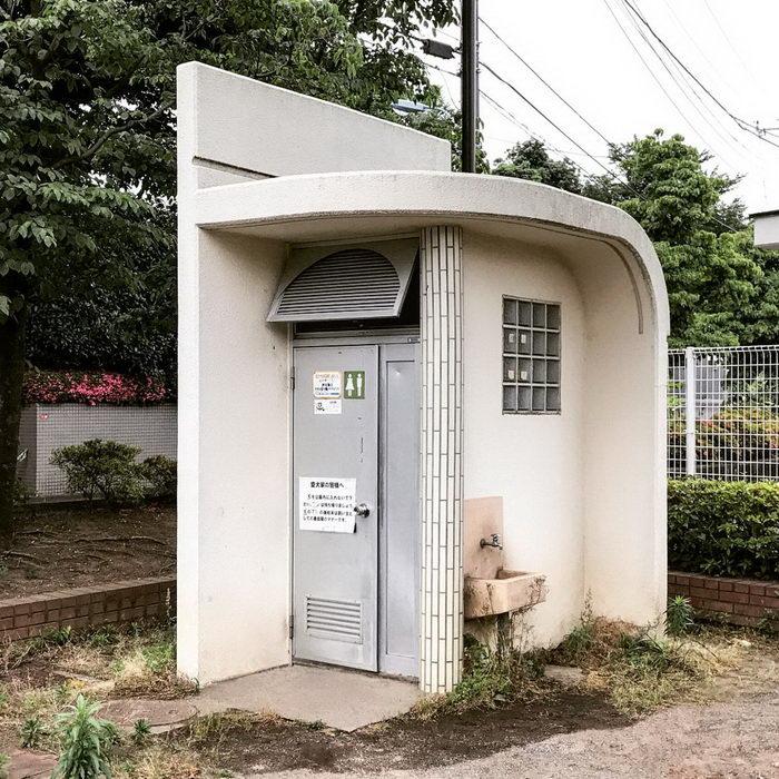 Японские туалеты в фотографиях H.Nakamura
