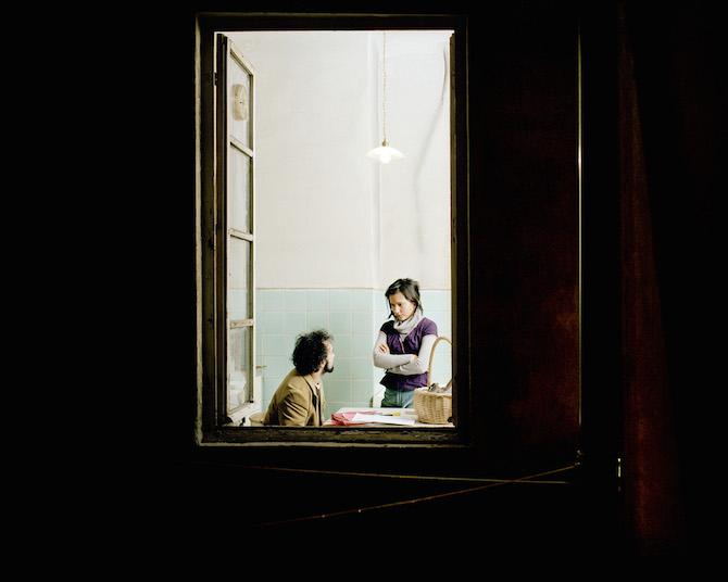 Взгляд в чужое окно в фотографиях Giorgio Barrera