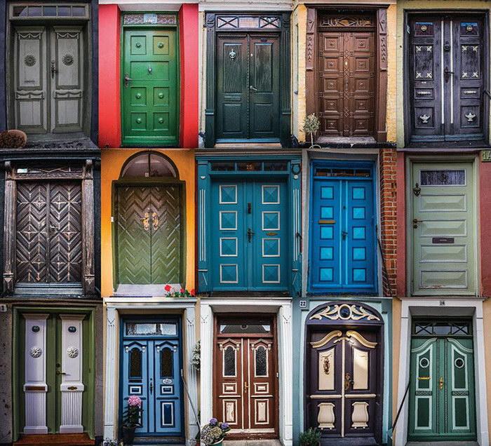 Двери городка Эрёскёбинг