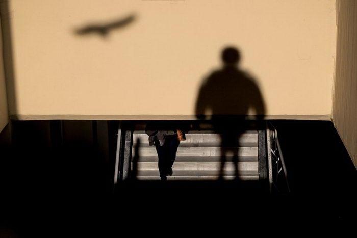 Силуэты людей в фотографиях Ilker Karaman