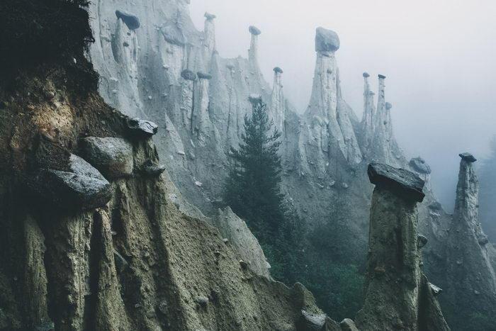 Земные пирамиды в фотографиях Kilian Schonberger