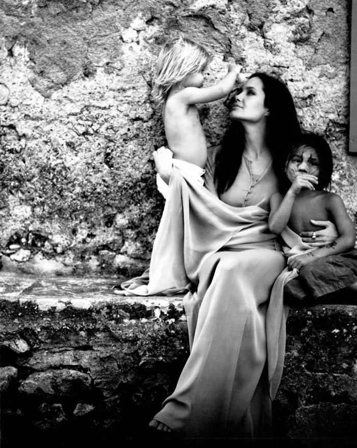 Чувственные снимки Анджелины Джоли, сделанные ее мужем
