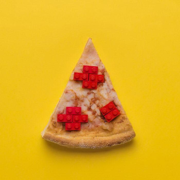 Лего в поп-арт коллажах: работы Jamie Sanchez