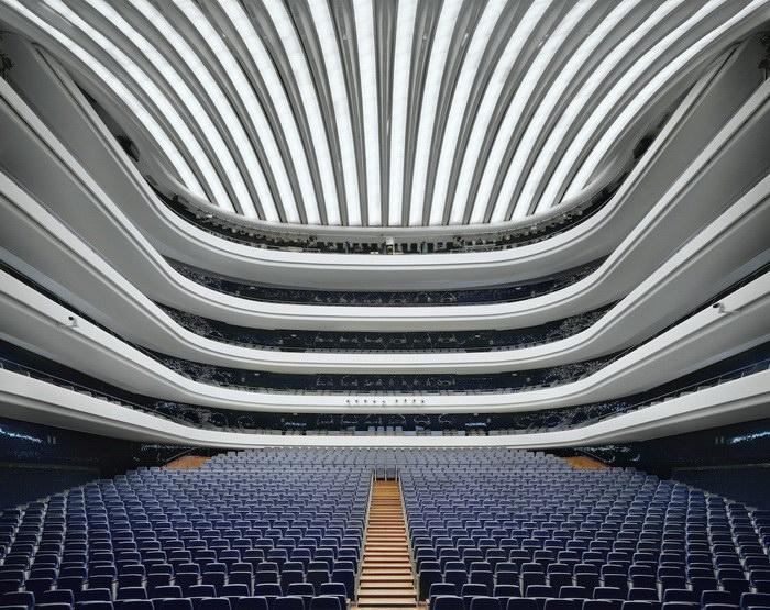 Как выглядят залы известных и необычных домов оперы