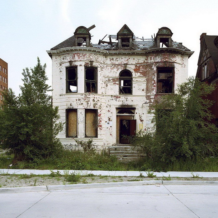 Заброшенные дома Детройта: фото Kevin Bauman