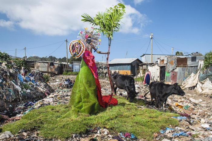 Проблемы экологии в ярком фотопроекте Fabrice Monteiro