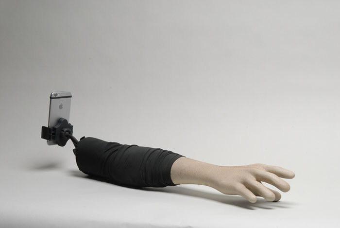 Селфи-палка для очень одиноких людей