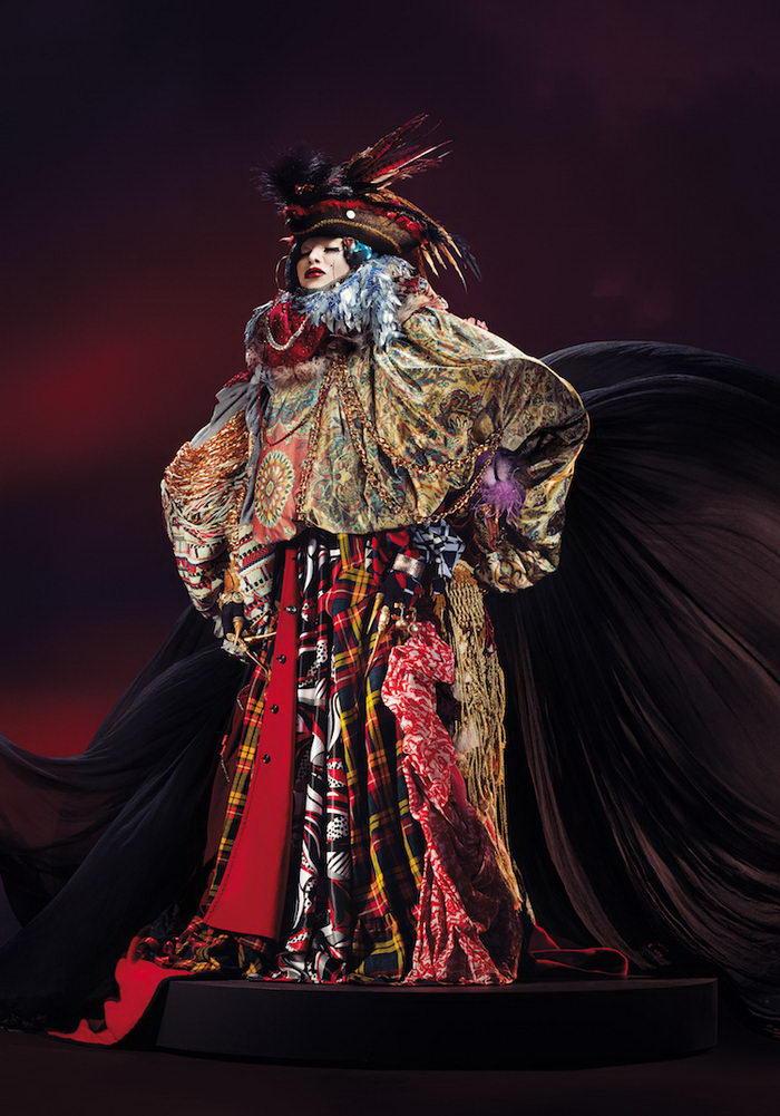 Роскошные портреты Daniel Lismore в необычных нарядах
