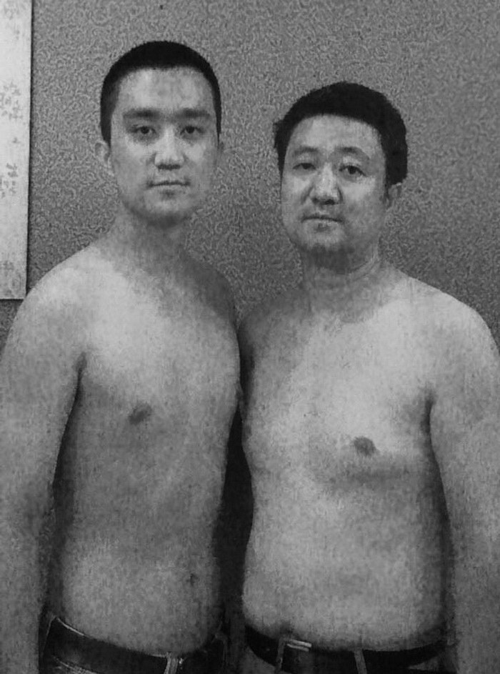 28 лет подряд отец и сын фотографировались вместе