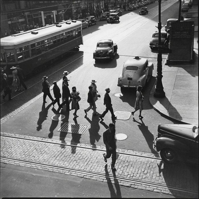 Черно-белая Америка в снимках Louis Faurer