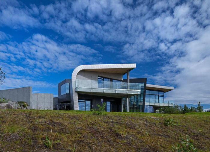 Суровый дом в Исландии