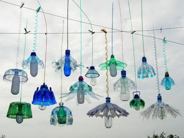 Необычные люстры из пластика Veronika Richterová